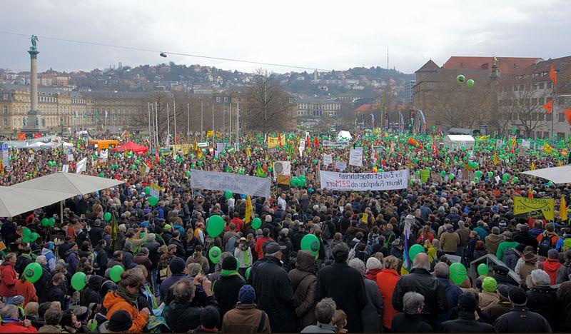 Datei:Stuttgart21Kundgebung 2011-03-19.jpg